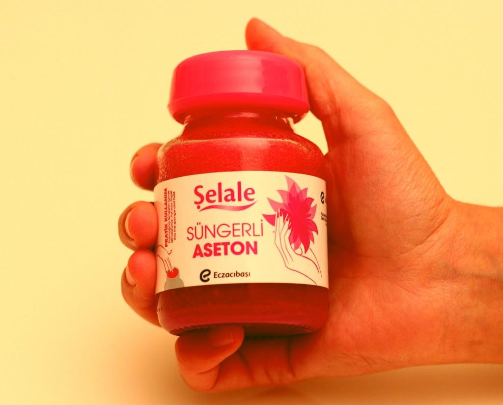 Şelale Süngerli Aseton