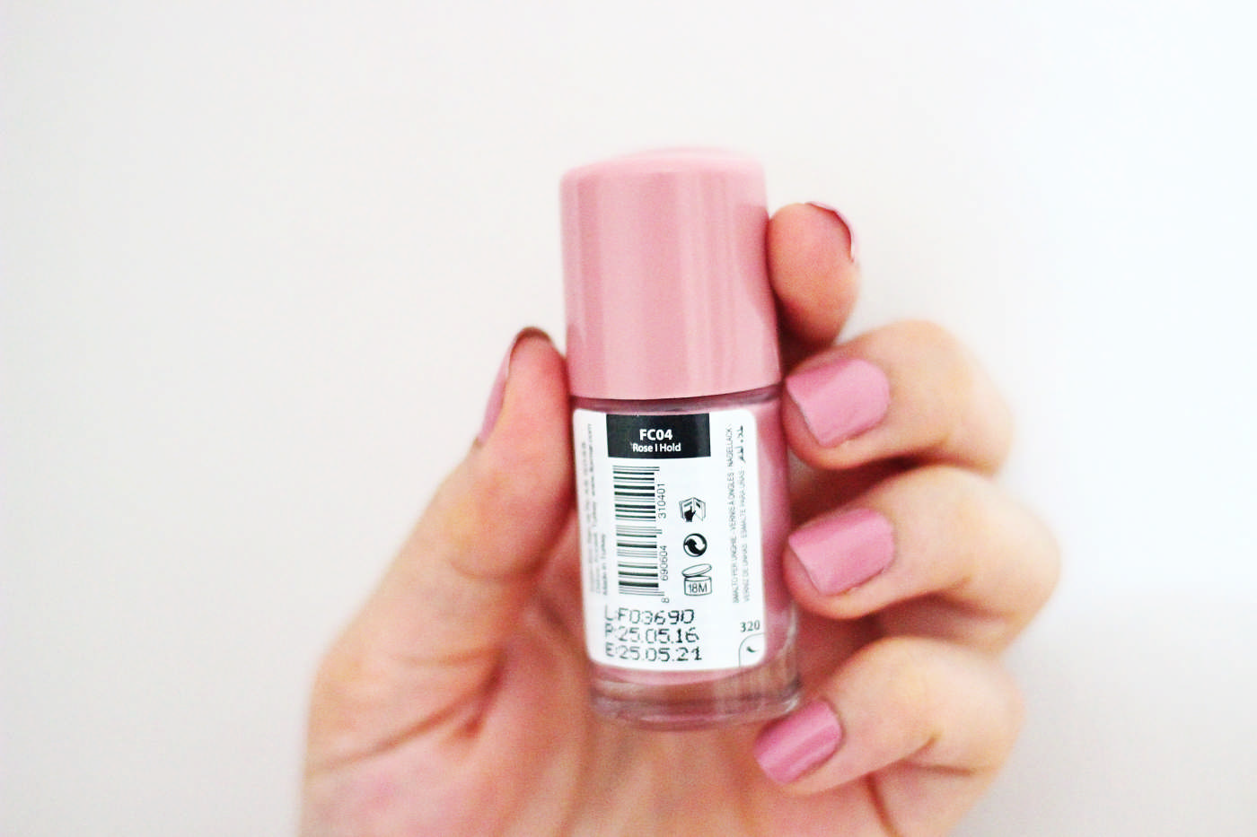 flormar-full-color-oje-roseIhold