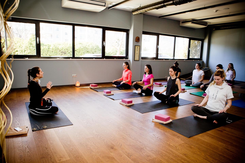 rhythm-yoga