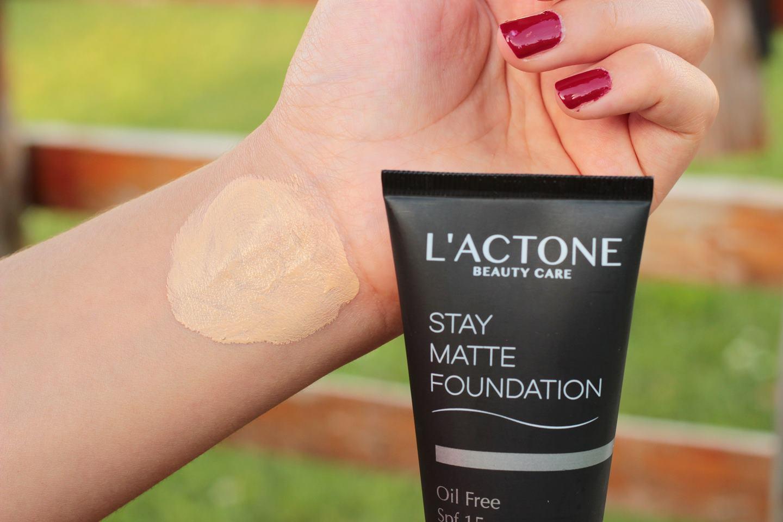 lactone-stay-matte-fondoten