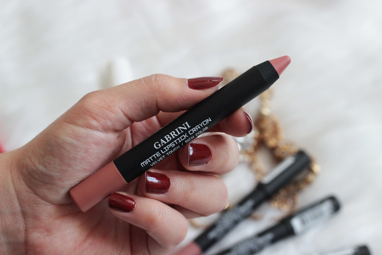 gabrini-matte-lipstick-crayon-01