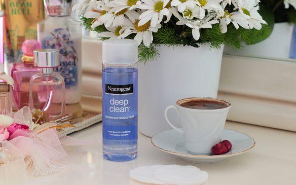 neutrogena-deep-clean-gozmakyaj-temizleyicisi