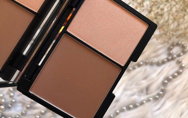 sleek-contour-highlighting-palette