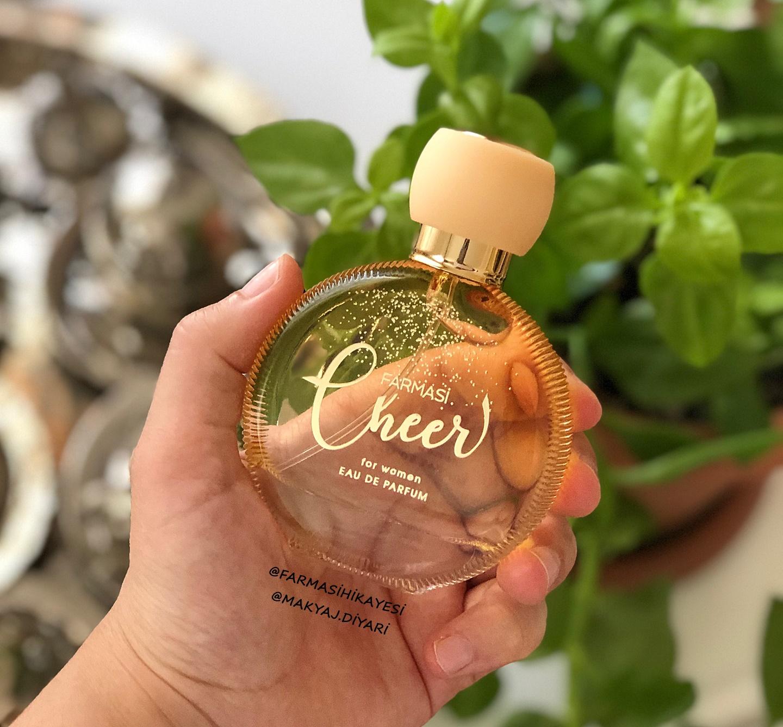 farmasi-cheer-kadin-parfumu