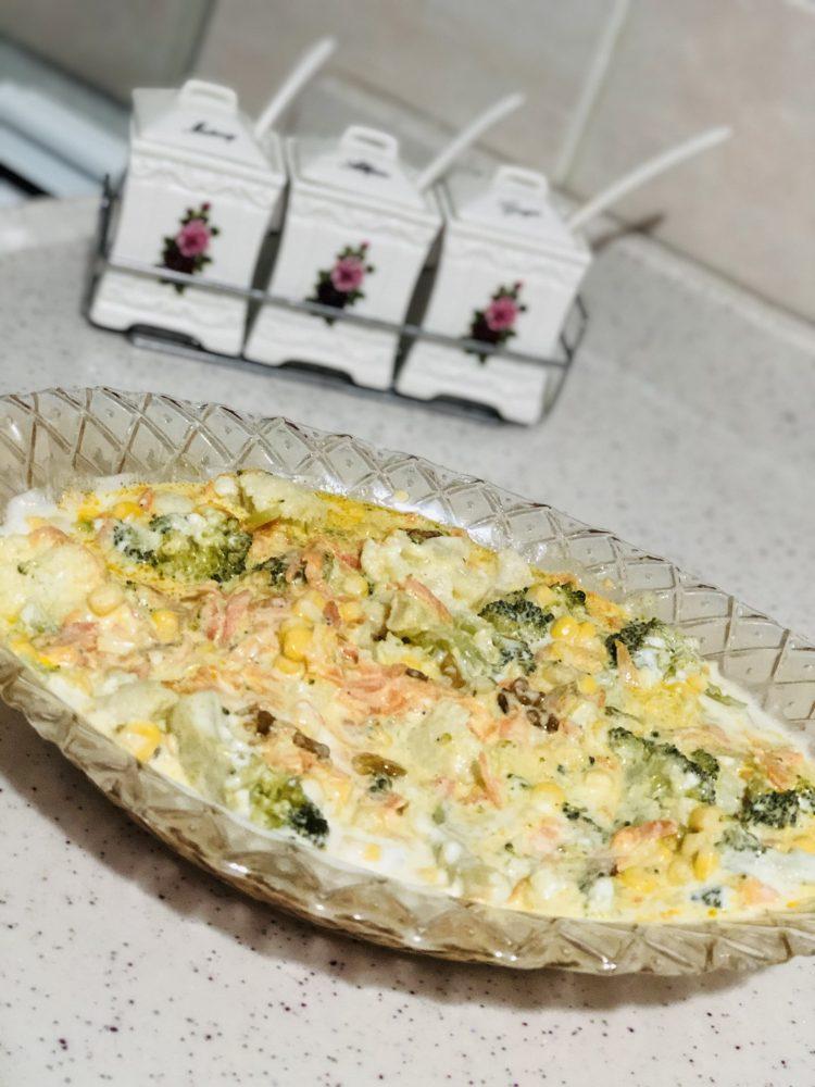 karnabahar-brokoli-salatasi-yogurtlu